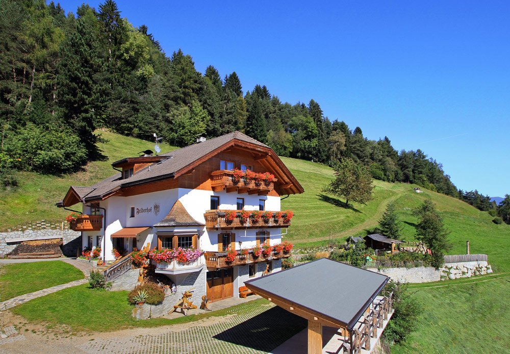 Felderhof at Maranza: farm holiday at the bottom of Monte Cuzzo